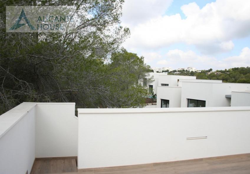 Villa with own solarium